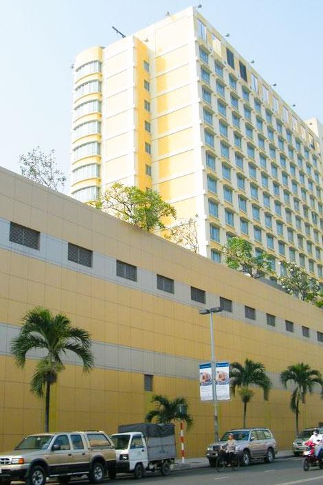 Công trình bảo dưỡng cây xanh New World Saigon Hotel